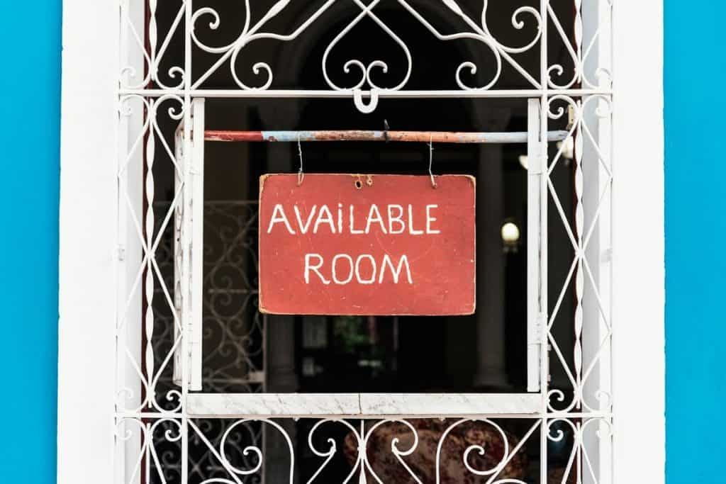 Extreme Frugality - Sign advertising a room for rent